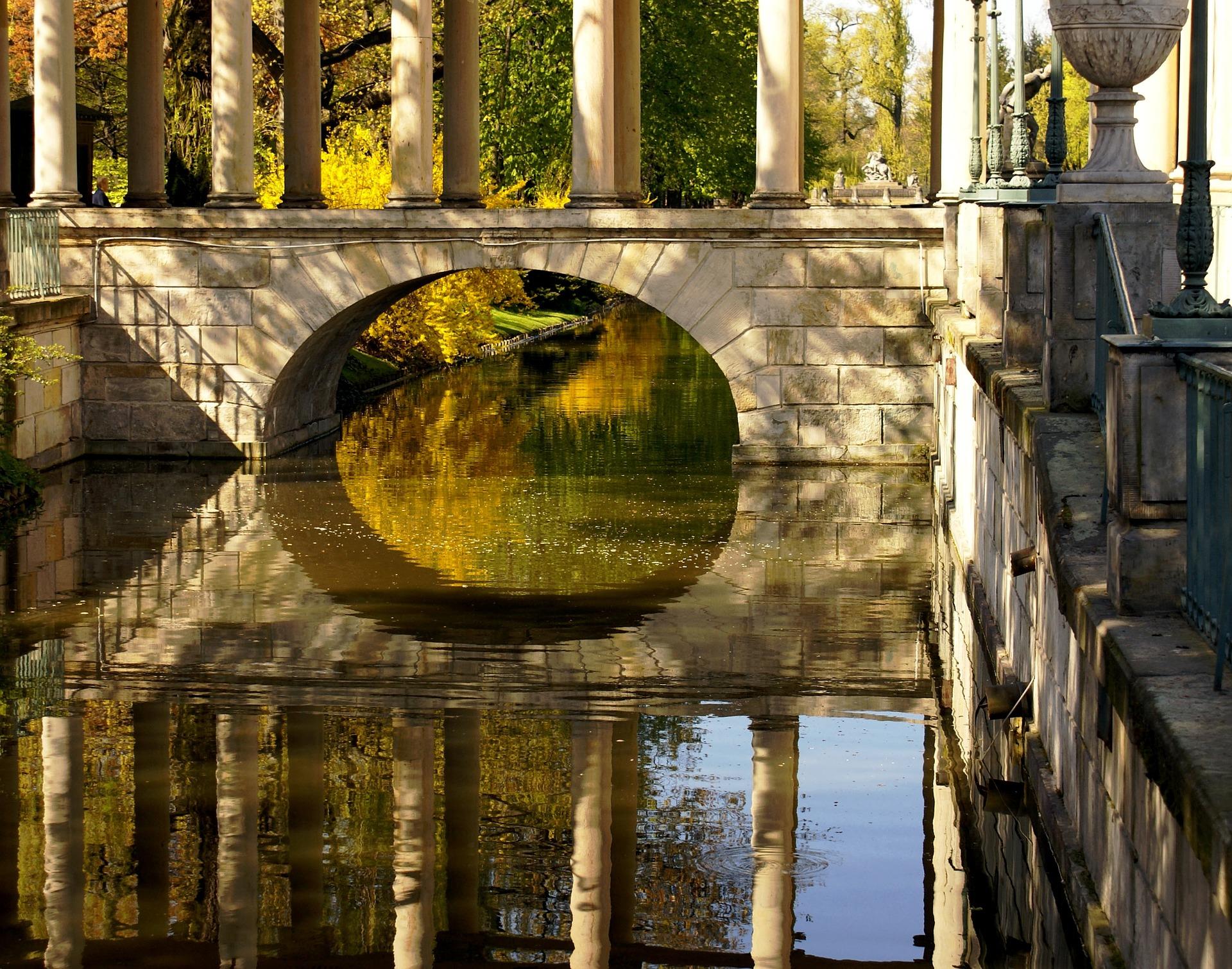 bridge-1196686_1920